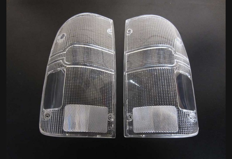 1995-2004 Tacoma Clear Tail Light Lenses (B stock)